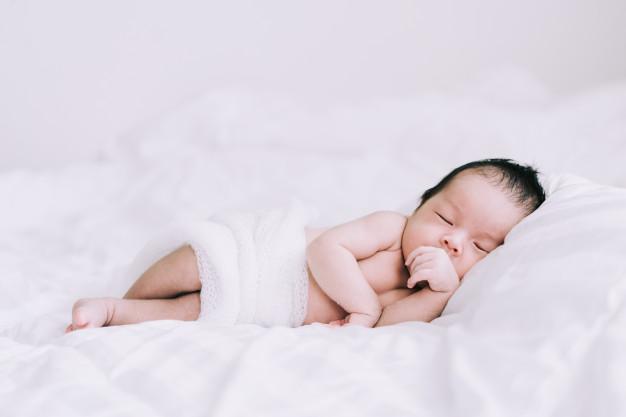 Zibelka za dojenčka s starinskim pridihom ali povsem sodobno zasnovana