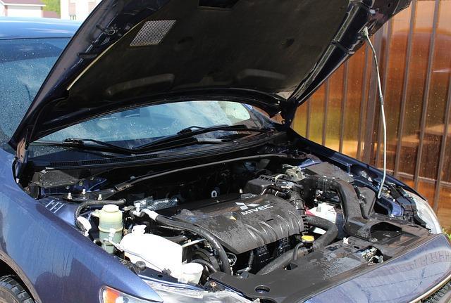 Z ustreznimi dodatki lahko visokotlačni čistilec na toplo vodo dobro očisti avtomobil