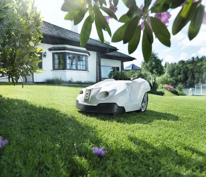 To Pomlad Brez Robotske Kosilnice Ne Bo Šlo