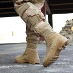 vojaški škornji